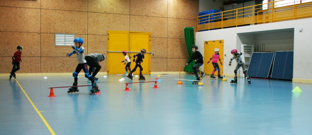 Un entrainement du Roller Sports Club de Connerré à la salle Véga